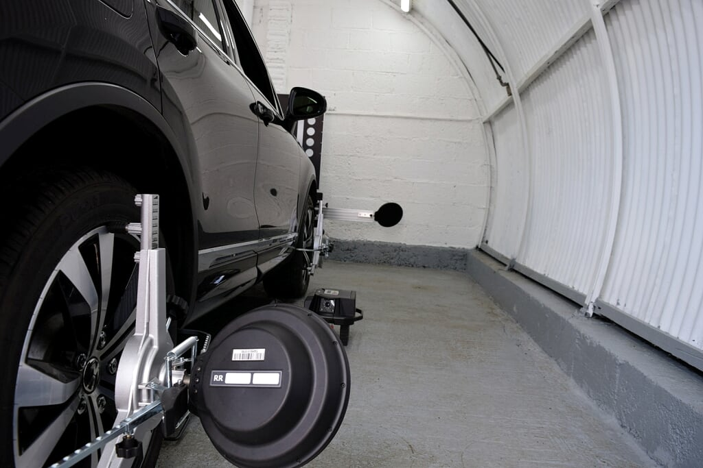Pro Clamp wheel alignment head attachment from Absolute Alignment